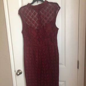 Lace Form Fitting High-Lo Dress